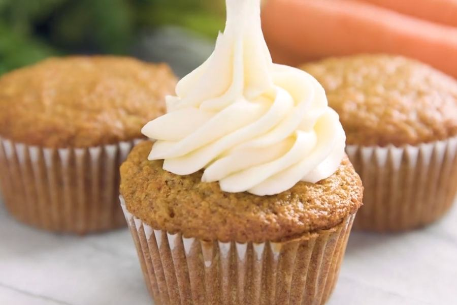 Most Amazing Carrot Cake Cupcakes